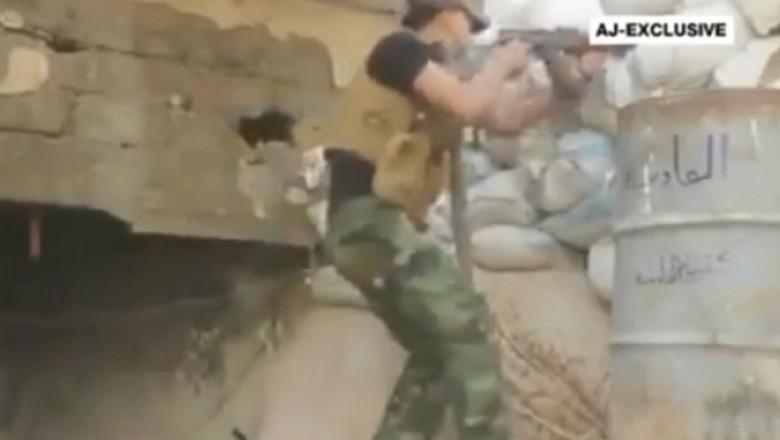 siria om cu arma