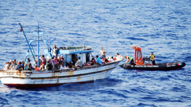 sirieni salvati din larg