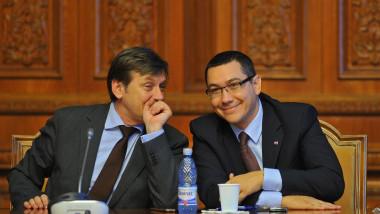 Şedinţă de urgenţă a USL. Ponta, despre Antonescu: Nu m-aţi auzit în trei ani criticându-l în public