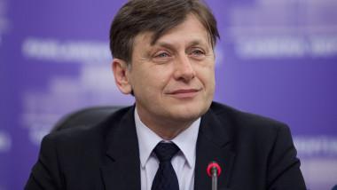 Crin Antonescu, după şedinţa USL: Proiectul Roşia Montană se va discuta în comisie specială