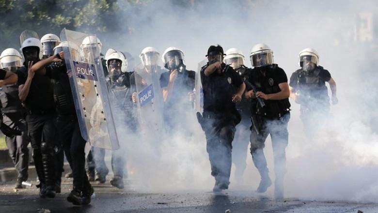 2013-turkey-police