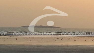 Island-emerges-near-Gwadarcoast-after-quake-coastline 9-24-2013 119677 l