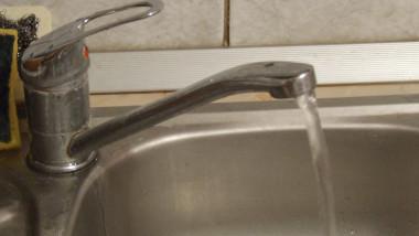 apa-la-robinet