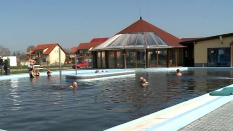 piscina tasnad