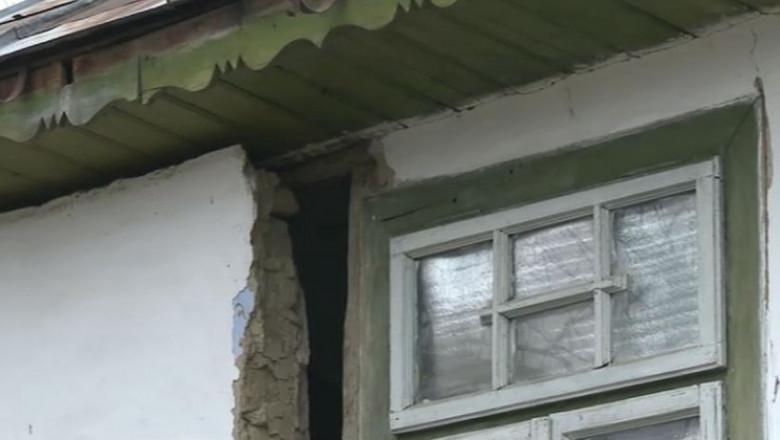 casa crapata de cutremur in Galati - captura digi24