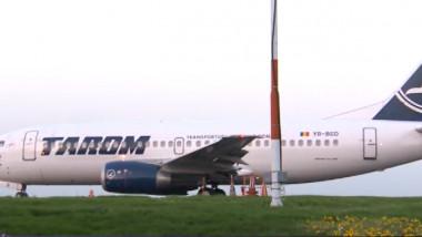 avion tarom-1