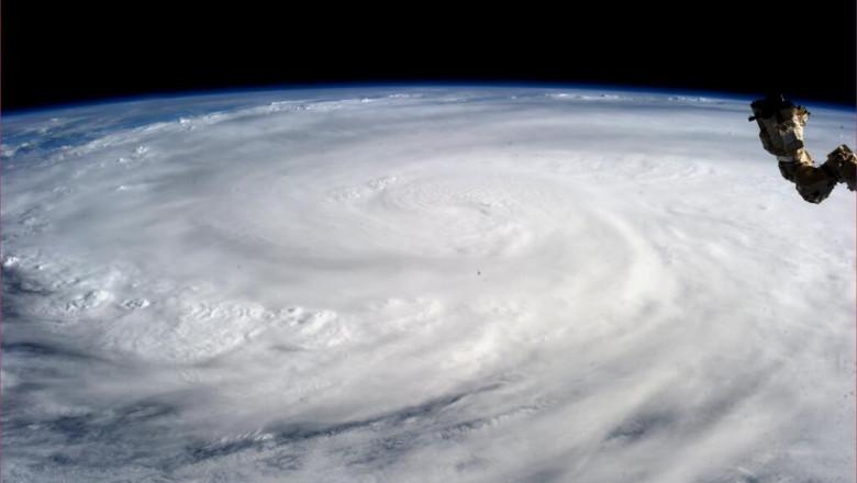 taifun filipine4 -6199723-AFP Mediafax Foto-KAREN L. NYBERG