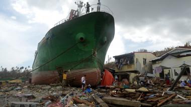 filipine taifun2 - 6202282-AFP Mediafax Foto-NOEL CELIS