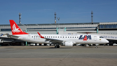 LAM Mozambique Airlines Embraer 190 Volpati 1