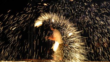 artificii la Ora Pamantului mfax