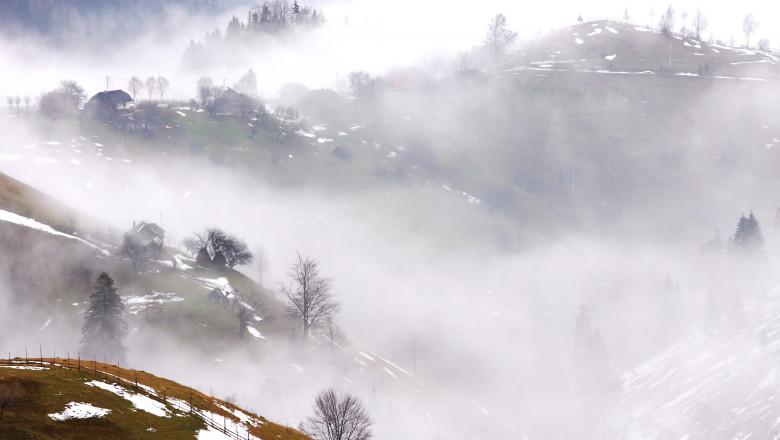 Iarna ceata munte zapada meteo vremea-Mediafax Foto-Thomas Dan
