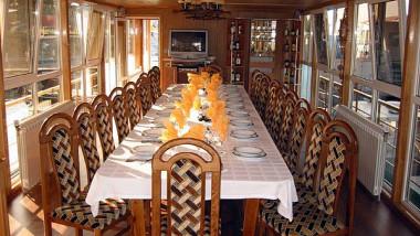 revelion restaurant