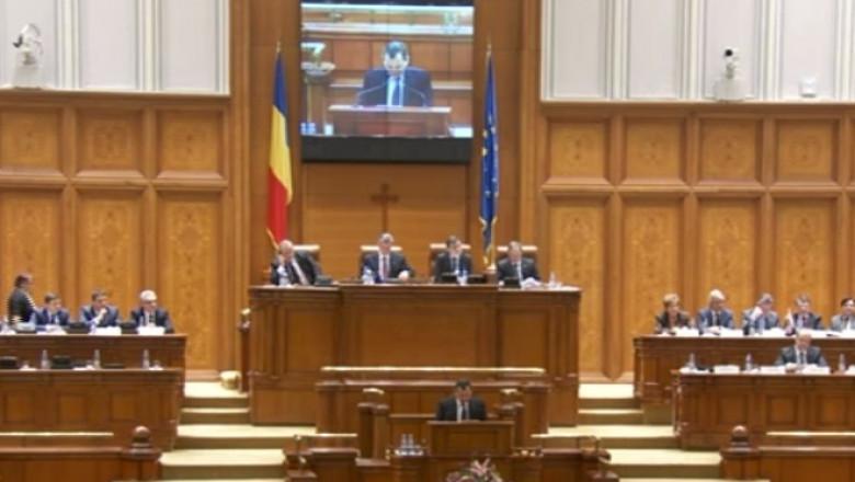 parlament-3