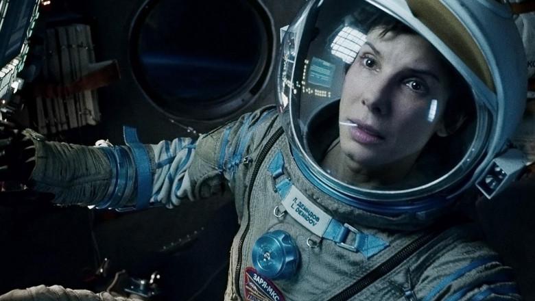 gravity-movie-review-sandra-bullock-suit-2
