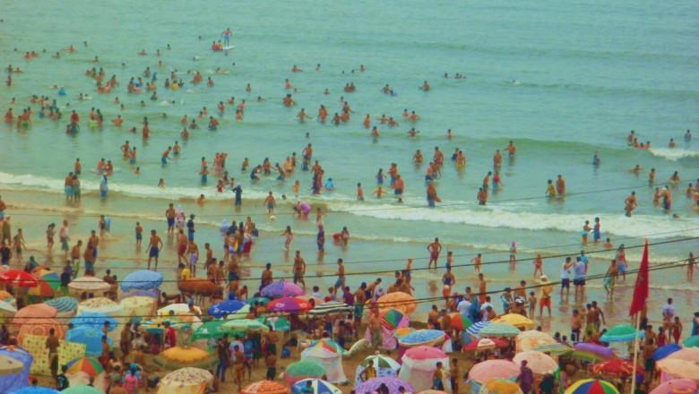 the-busy-beach-casablanca-morocco 1152 12815613412-tpfil02aw-17412