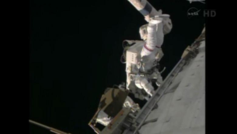 cosmonaut reparatii iss