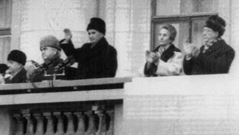 000-21-dec-89-ceausescu-roumanie-balcon-400