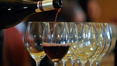 pahare vin mediafax