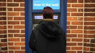 bancomat marea britanie mfax