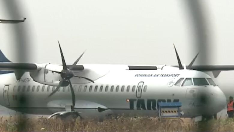avion tarom lung