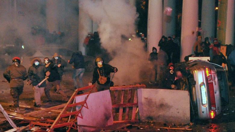 Lupte la Kiev 6381488-AFP Mediafax Foto-GENYA SAVILOV