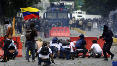 Proteste violente Venezuela - AFP Mediafax Foto-LEO RAMIREZ