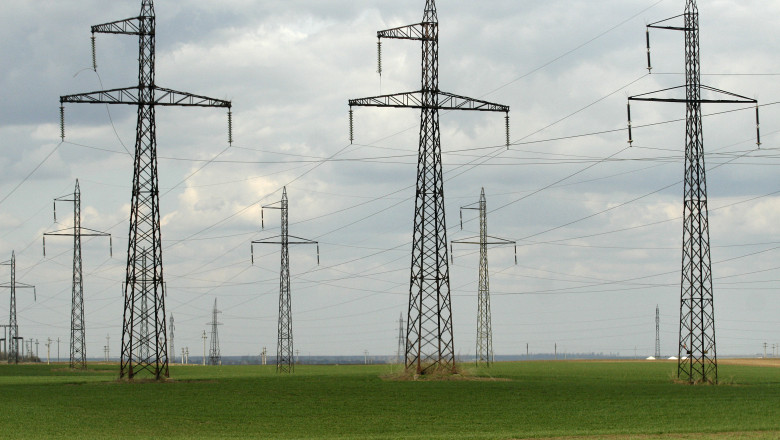 energie electrica stalpi tensiune mediafax