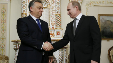 Viktor Orban si Vladimir Putin 6361268-AFP Mediafax Foto-YURI KOCHETKOV