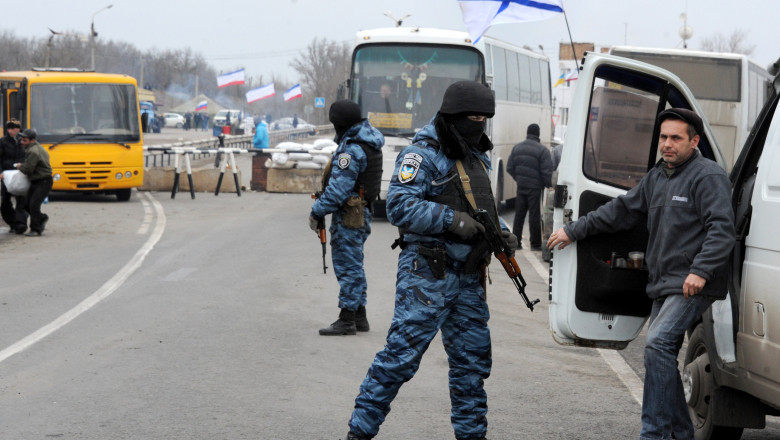 Control Crimeea Berkut - AFP Mediafax Foto-VIKTOR DRACHEV-2