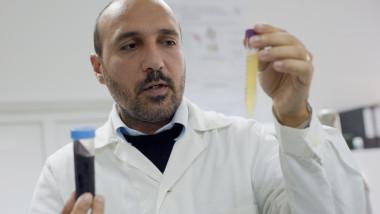 Radu Silaghi-Dumitrescu cercetator sange artificial-Mediafax Foto-Raul Stef