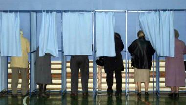 urna alegeri pensionari-Mediafax Foto-Marius Vasilica 2 1