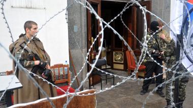 Prorusi inarmati Lugansk Ucraina-AFP Mediafax Foto-ALEX INOY-3