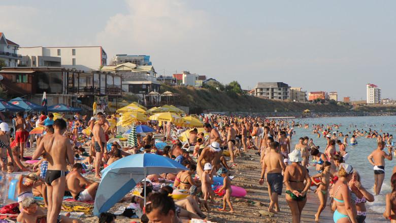 litoral mare vara costinesti plaja 5399659-Mediafax Foto-Marius Smadu 1