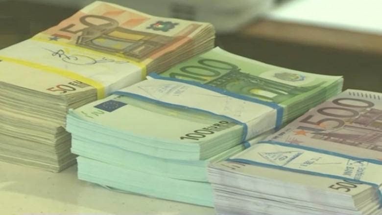 bani euro teancuri captura