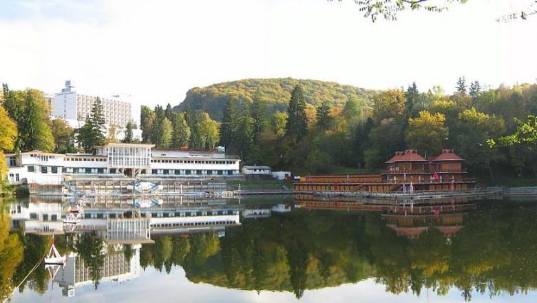 lacul ursu wikipedia
