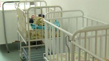 bebe in pat verde