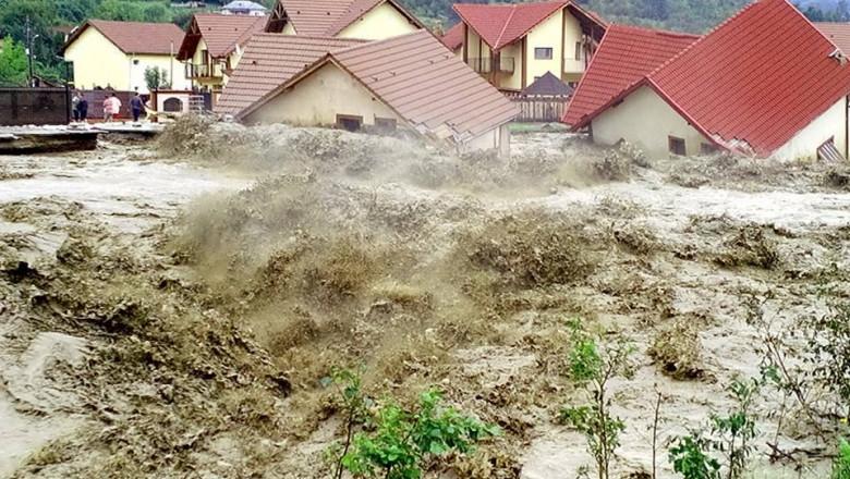 inundatii casa luata ape