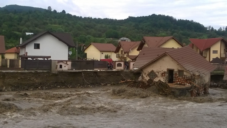 inundatii vladesti valcea iulie 2014 - sorin nicu telespectatori digi24 5