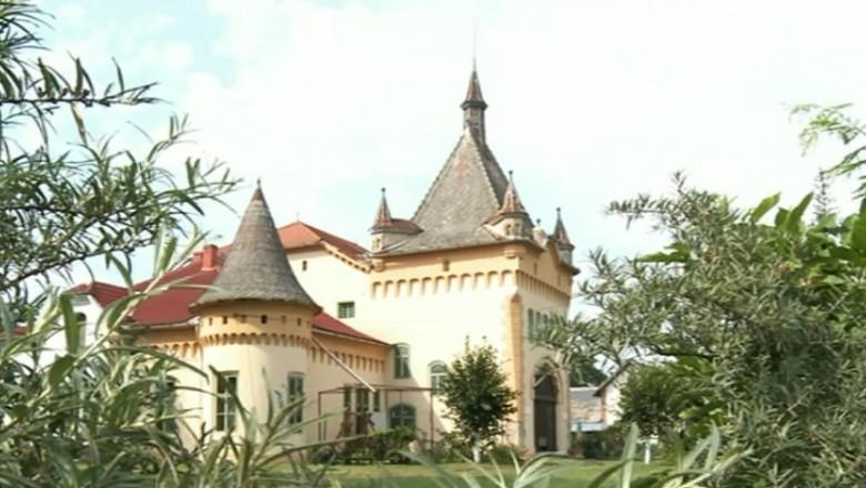 castel Arad