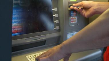 Bancomat banca poza generica -Mediafax Foto-Doru Nica
