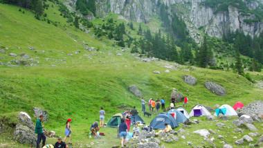 canicula turisti munte mediafax 1