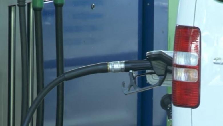 alimentare masina benzinarie