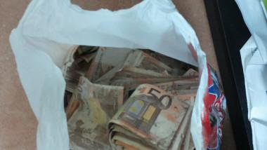 bani groapa de gunoi
