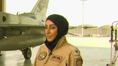 femeie pilot