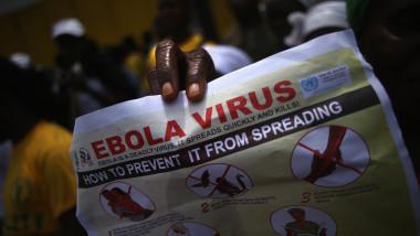 pliante despre ebola
