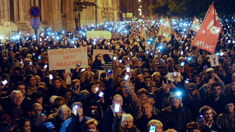 Protest Budapesta taxa internet 26 octombrie 2014 Ungaria-AFP Mediafax Foto-ATTILA KISBENEDEK