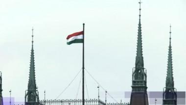 ungaria steag pe parlament