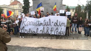 protest cu banner