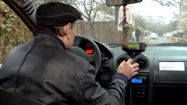 taximetrist cu spatele