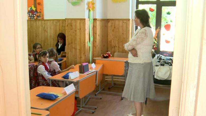 invatatoare elevi-1
